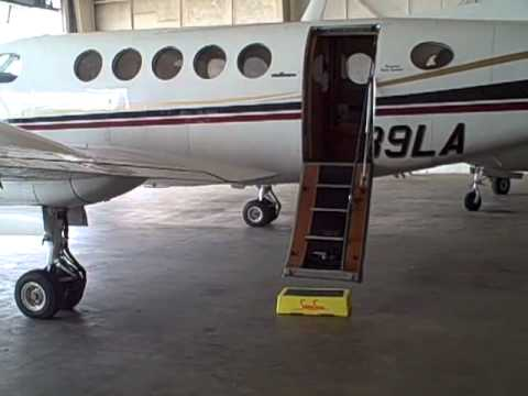A Safe 6 Inch Step Stool For Airline Passengers Youtube