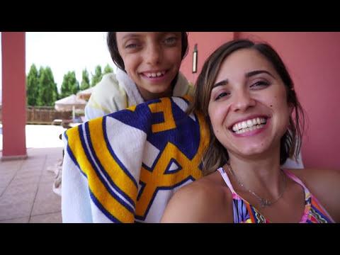 REACCIÓN ABRIENDO su REGALO + REENCUENTRO con AMIGAS | VLOG DIARIO |Familia Coquetes