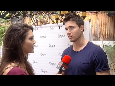 """Robbie Amell Interview """"The Fluffball 2016"""" Event Red Carpet"""