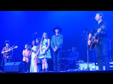 Troy Cassar Daley & Guests - You Ain't Going Nowhere