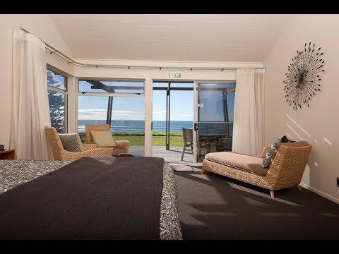 Beach Front Bliss Villa - Papamoa Beach Resort - Beachfront Accommodation
