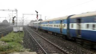 Angul WAG7 hauls Hyderabad-Howrah Special