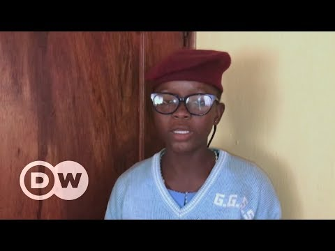 Nigerian schoolgirls develop waste-tackling app | DW English