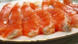 Очень простой, супер способ, засолить красную рыбу часть 1(Готовим красную рыбу для бутербродов. http://smotricook.info/solim-krasnuyu-rybu/ Очень вкусно, получается, отрезать тонкий..., 2013-06-01T19:40:05.000Z)