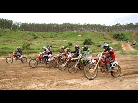 Motocross race in Pointe-Noire [no comment]