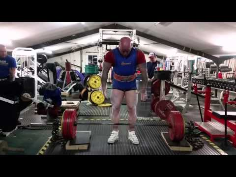 300kgs deadlift off small blocks and against chain