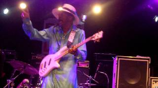 "Larry Graham ""Thank You (Falettinme Be Mice Elf Agin)"" Bass Player Awards 2011"