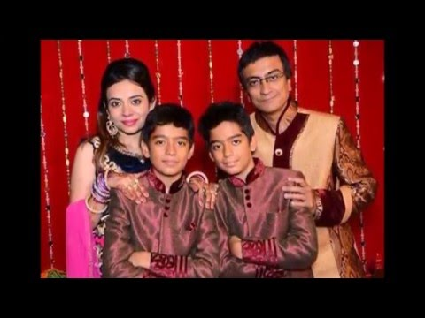 Have a look at real life families of Tarak Mehta Ka Ooltah Chasmah Starcast
