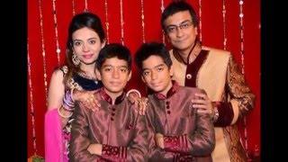 Have a look at real life families of Tarak Mehta Ka Ooltah Chasmah Starcast