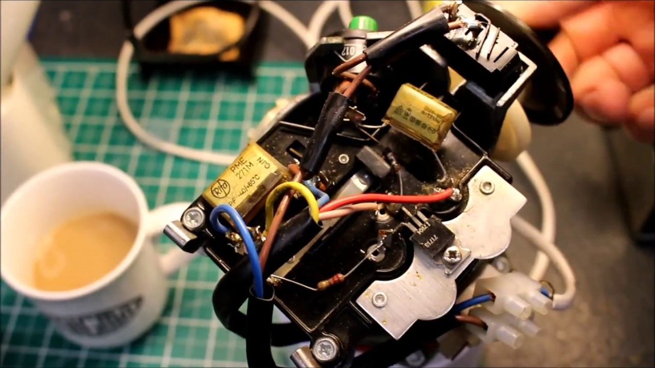 Kenwood chef a901 smelly smoking motor speed control repaired at kenwood chef a901 smelly smoking motor speed control repaired at fixitworkshop worthing asfbconference2016 Choice Image