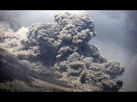 Top10 Best Photos of Volcanic eruptions and Kelud Sinabung in Indonesia 2013