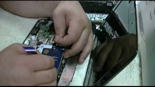 ASUS Eee PC Refurbishment, Part 1 - Disassembly & Windows 7 Test