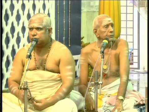 113 -Alangudi Radhakalyanam 2014 -Udayalur Kalyanaraman- Sampradaya Bhajan Begins..