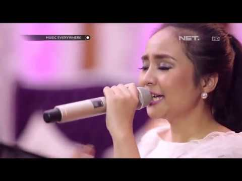 Gita Gutawa - Parasit (Live at Music Everywhere) **