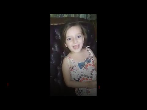 Vida de criança na Síria: vídeo mostra menina sendo surpreendida por explosão enquanto canta