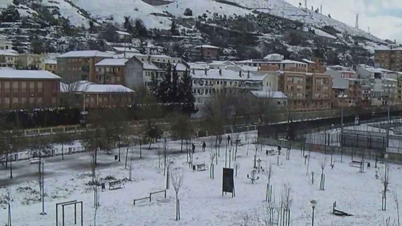 Granada nevada parque bola de oro youtube for Piscina bola de oro granada