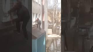 Моет окна в Йошкар-Оле