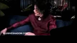 Michael Jackson filmed during a break on the set of the Martin Bashir interview (unreleased footage)