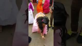 LA LA KADAI SHANTHI tamil song wat a dance by this girl