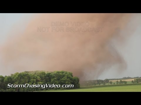 6/27/2015 Extreme close up of the North Dakota Red River Tornadoes