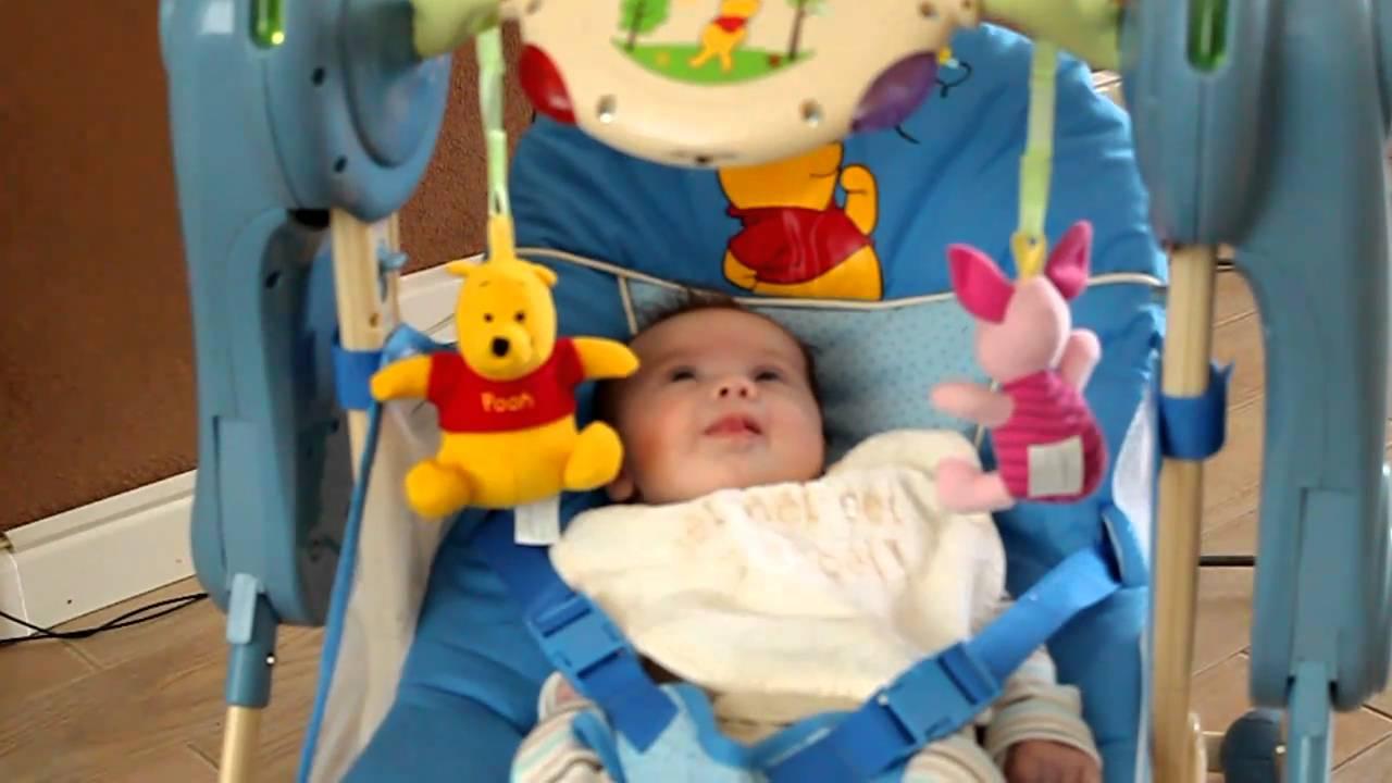 Schommelstoel Baby Automatisch.Automatische Schommelstoel Van Ivana Priyantha Youtube