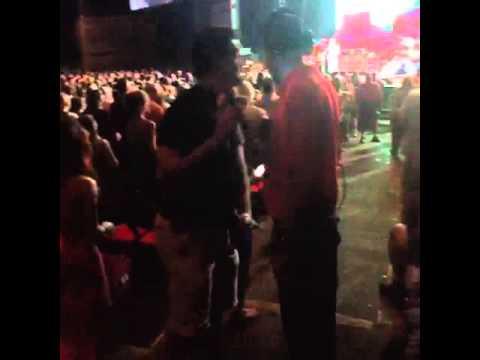 Star 105.5 - Mojo goes by security at John Mayer
