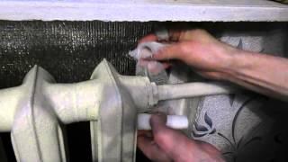 видео Ремонт батареи  отопления не выпуская воды из системы