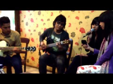 Firasat (CoVer) by Adinda Adi & Anisa Chibi #gathinsomNISA