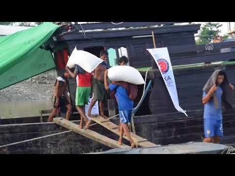 TIKA distributes food aid to Rohingya Muslims