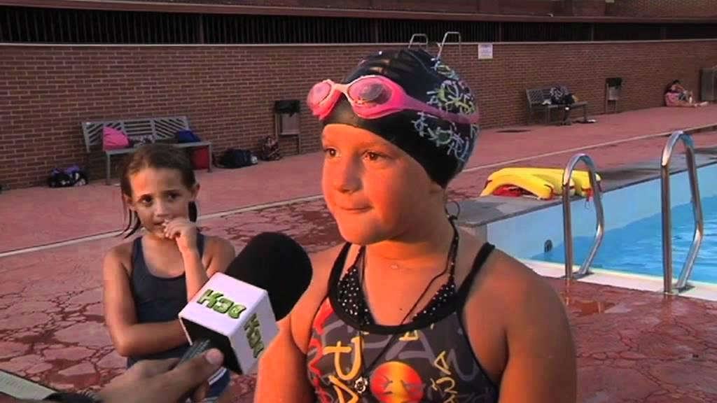 Don benito 11 08 11 actividades verano piscina municipal for Piscina don benito