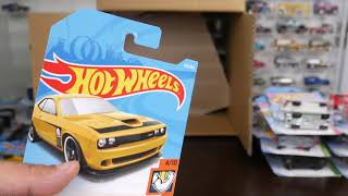 Unboxing Hot Wheels Mainline 2018 Case F - Factory Sealed