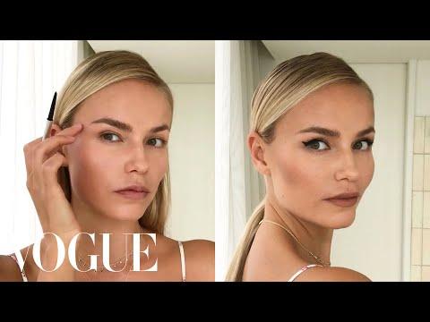 Model Natasha Poly's 3-Step Perfect Cat-Eye | Beauty Secrets | Vogue