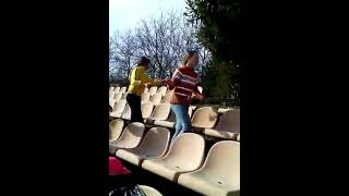 Клип Монатик Кружит очень класное видео и танец!!!