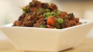 Punjabi Gajar Mutter Wadiyan(Carrot and Peas-Stirfried)