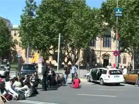 Protestes A La Facultat De Lletres (Lleida TV) - 3/05/2012