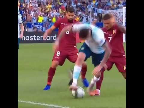 Photo of بالفيديو: حمامة توقف ركلة نجم الأرجنتين خلال مباراة كرة قدم ! – الرياضة