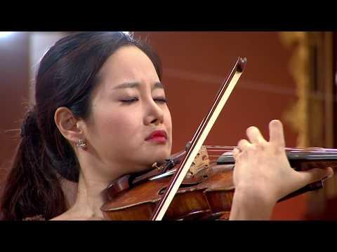 Bomsori Kim plays Shostakovich Violin Concerto No. 1 Op. 77 | STEREO