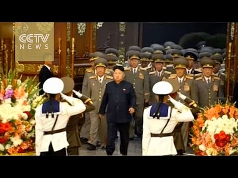 Kim Jong Un visits father's mausoleum to mark WWII anniversary