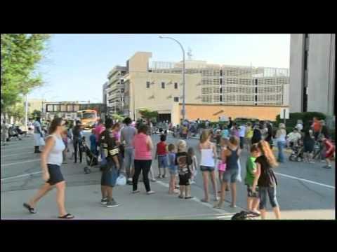 river cade parade 1