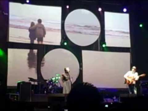 Jason Mraz lucky live with Lisa Hannigan in Berkeley, CA