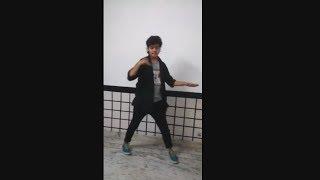 Video YO YO HONEY SINGH Aankhon Aankhon Best Dance Ever Must Watch....Amazing download MP3, 3GP, MP4, WEBM, AVI, FLV Desember 2017