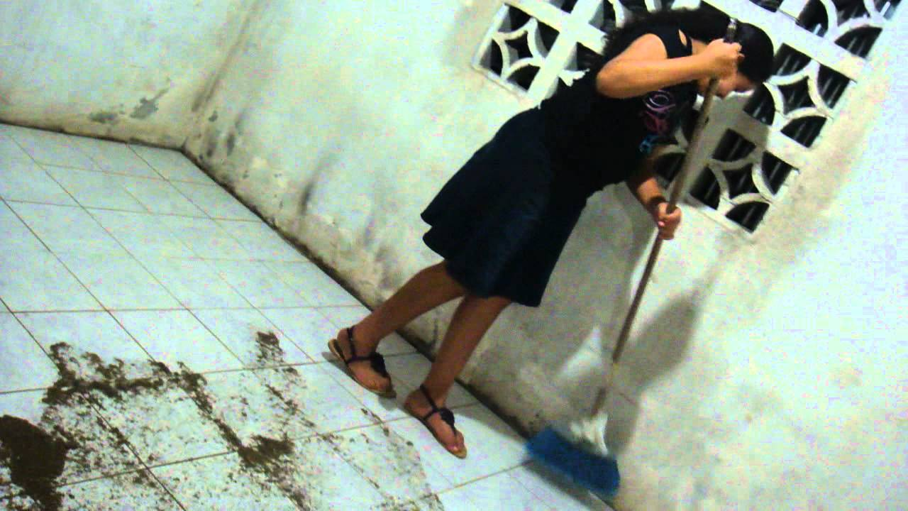 Como limpiar el pegamento de las ceramicas mp4 youtube - Como limpiar el azulejo del piso ...
