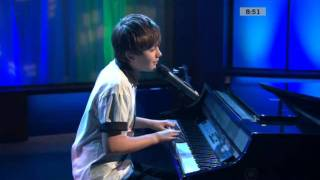 Greyson Chance - Canada AM live performance (Unfriend You)