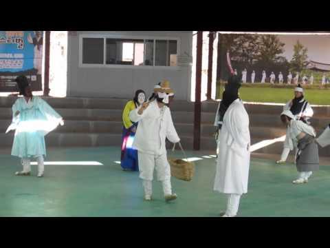 Múa truyền thống HQ với mặt nạ ở Andong 2013-12