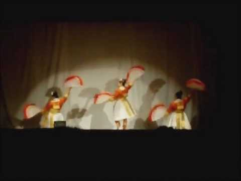 Grant H.S. New Year 2011 - Nkauj Hmoob Suab Nag