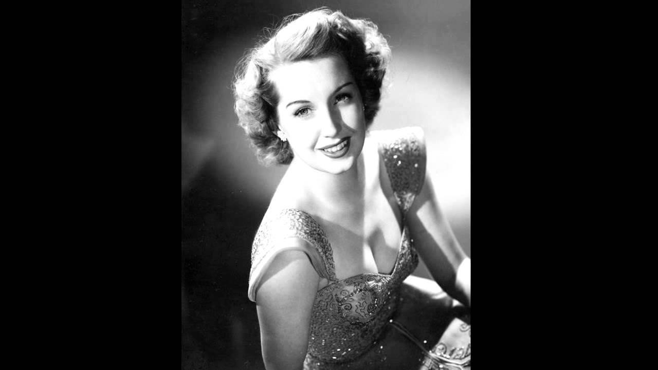 Download Martha Tilton - I'll Walk Alone (1944)