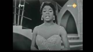 Watch Sarah Vaughan Over The Rainbow video