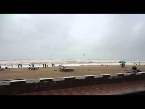 Must Watch: LIVE from PURI #phailin #Cyclone - Part 1