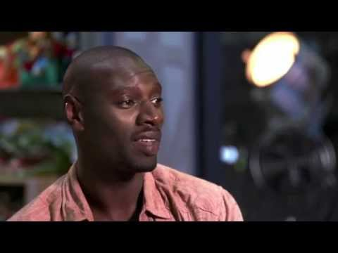 """Jurassic World """"Barry"""" Official Movie Interview - Omar Sy"""
