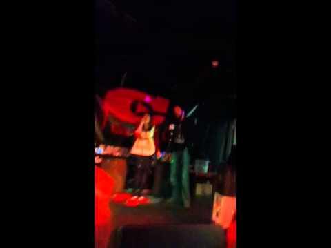 Eoin and Aoife rock karaoke